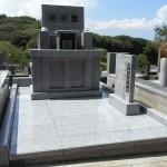 平尾霊園にて既存の墓石を利用したお墓の作り直し(徳山石)と外柵の作り替えリフォームが完成